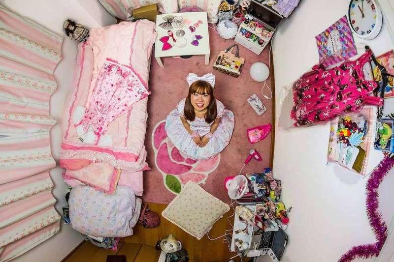 Ryoko 來自日本東京,房間布置非常少女。(圖/城市美學新態度提供)