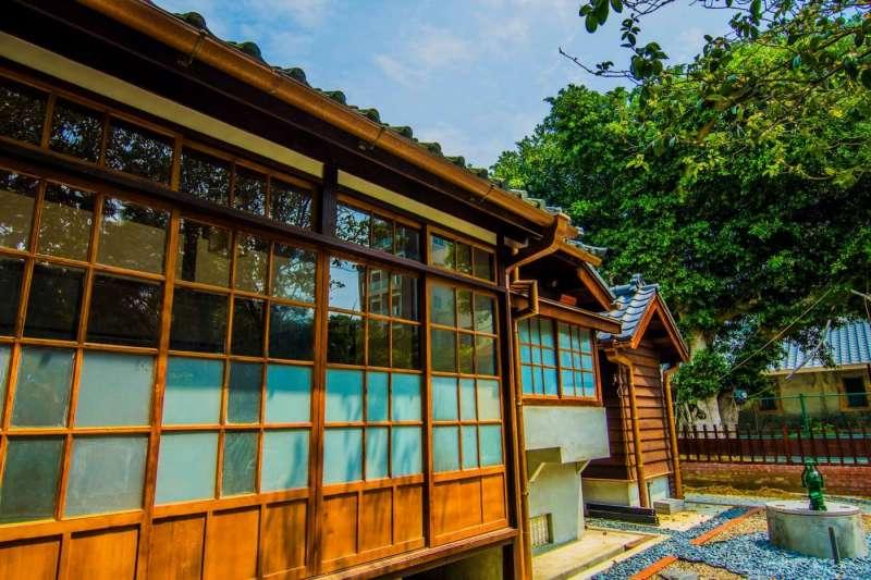 不用跑到日本!日式建築台灣也有,透過整修再利用,甚至改造出不同功能的空間及味道,相當適合周末前去參觀拍照。(圖/桃園市立大溪木藝生態博物館@facebook,FunTime提供)
