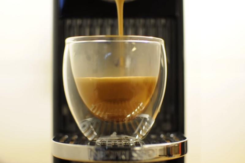 沒有經濾紙過濾的咖啡對身體不好?(示意圖/翻攝自youtube)