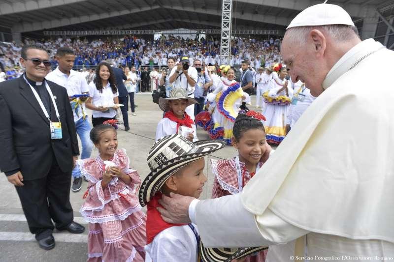本月6日至10日,教宗方濟各訪問哥倫比亞,受到當地民眾的熱烈歡迎(AP)
