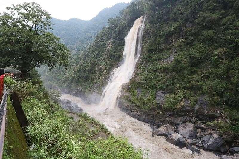 颱風來襲總讓人膽戰心驚,尤其是西北颱,更不可輕忽!(圖為梅姬颱風過後照片,顏麟宇攝)