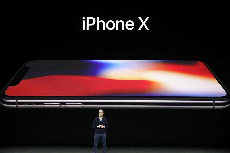 2017年9月12日,蘋果推出新款iPhone X(AP)