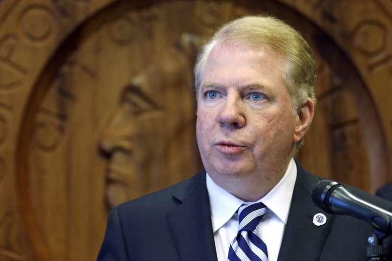 美國西雅圖市長莫瑞被控性侵5名男子,12日宣布辭職(AP)