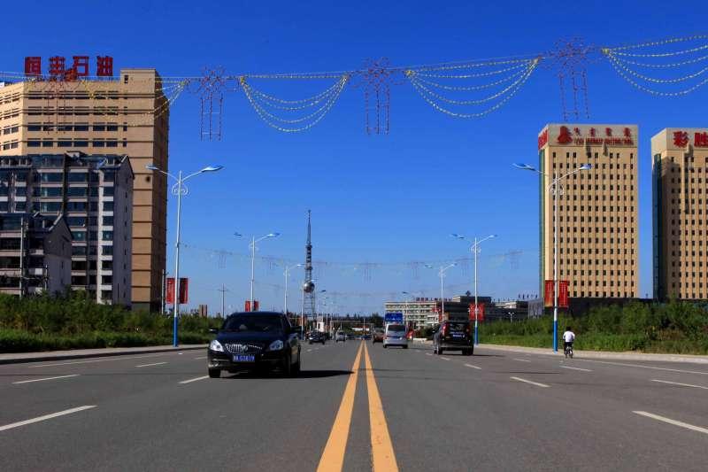 內蒙古自治區鄂爾多斯「鬼城」中的達拉特經濟特區。(取自網路)