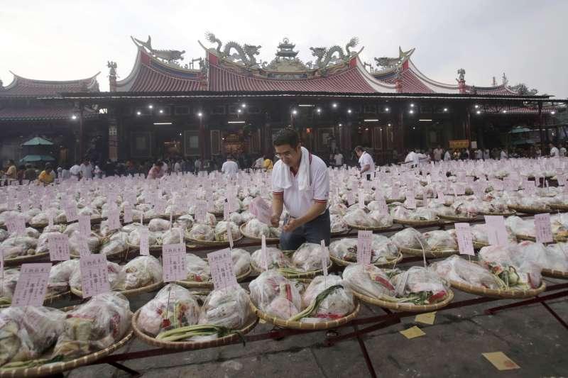 2017年9月,印尼華人進行傳統的中元節祭典(AP)