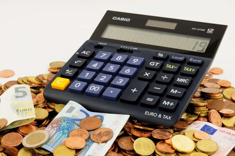 財政部統計,近4年來的人均股利,發現男女有別。(圖/WerbeFabrik@pixabay)