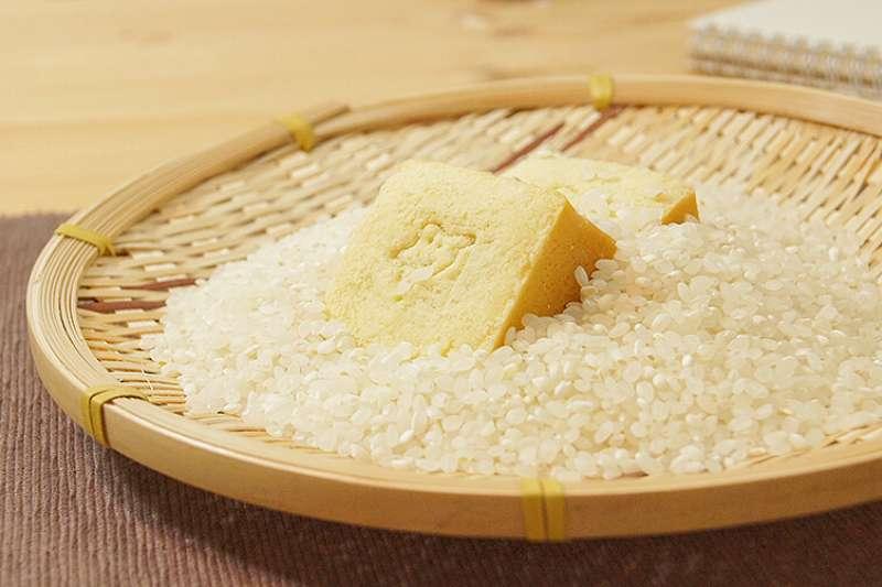 用米做的五行開運鳳梨酥。(圖/花草巫婆提供)
