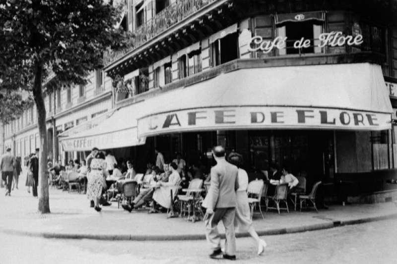 法國巴黎的花神咖啡館是20世紀出文人談論存在主義的重要據點(AP)
