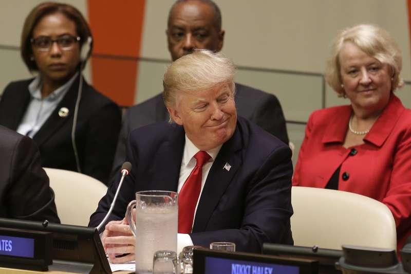 美國總統川普首度發言就先抨擊聯合國體制「太官僚又沒效率」。(美聯社)