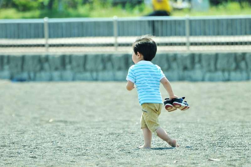 日前宜蘭男童性侵案震驚全台,專家提醒家長務必教會孩子對陌生人要有警覺,避免憾事再發生。(示意圖,非當事人/ ajari@flickr)