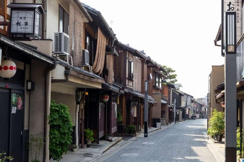 來京都七軒通,可以遠離觀光客、更可以體驗到迷人的京都日常!(圖/ZEKKEI Japan提供)