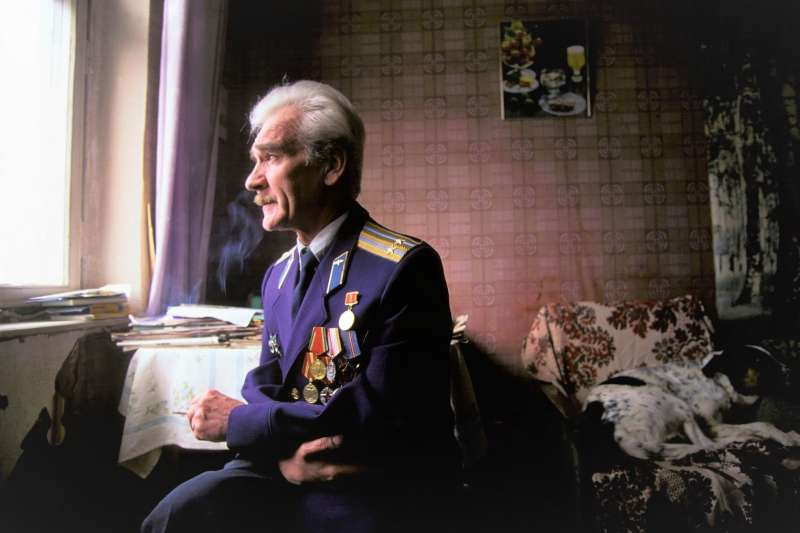 前蘇聯陸軍中校彼卓夫在今年五月辭世,他當年以專業判斷救了全世界,也被拍成紀錄片。(圖/Documentales y mas@youtube)