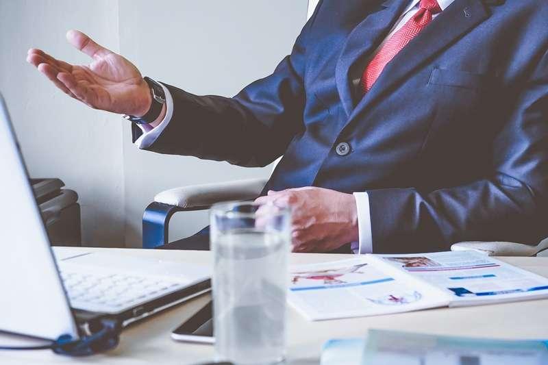 如果老闆一意孤行,要你執行不可行的任務,你該怎麼辦?(圖/pixabay)
