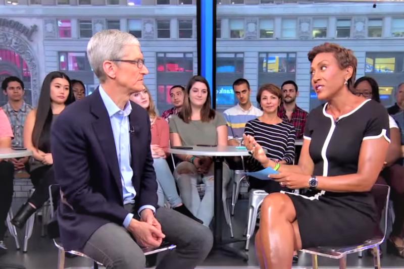 蘋果發表會落幕後,執行長庫克首度接受電視節目訪問,除了針對iPhone X價格、FaceID表達個人看法,談起已故創辦人賈伯斯也在節目中流露出感性一面。