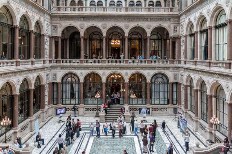 倫敦建築開放日日前登場,平日門禁森嚴的官方重地都在這兩日開放,每年吸引上萬人參觀。(圖/Christine Matthews @geograph)