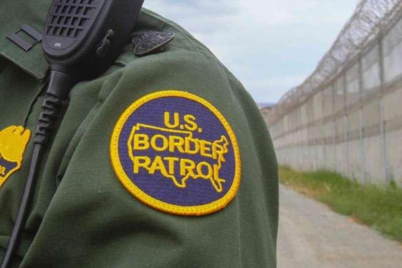 美國邊防人員在美國與墨西哥的邊境抓到越來越多來自中國的非法移民,令當局大感奇怪。(BBC中文網)