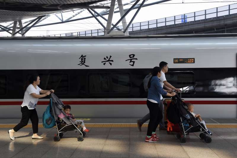 中國官方將高鐵視為「中國四大發明」之首。(新華社)