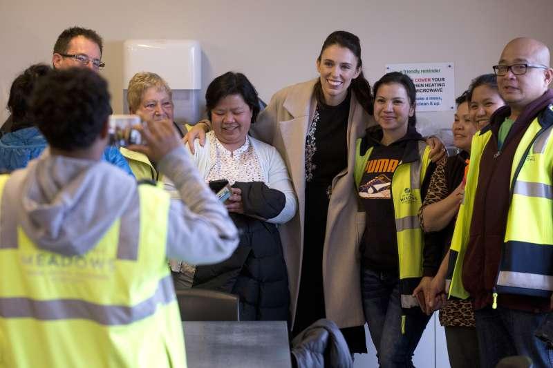 紐西蘭在野黨工黨的女黨魁雅頓掀起一股狂熱,為一向平靜的紐西蘭政壇投下震撼彈(AP)