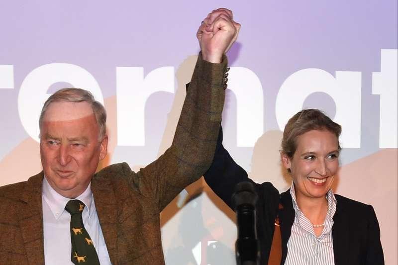 2017德國大選:極右派「德國另類選擇黨」(AfD)成為第3大黨,圖為領導人威德爾(右)(AP)