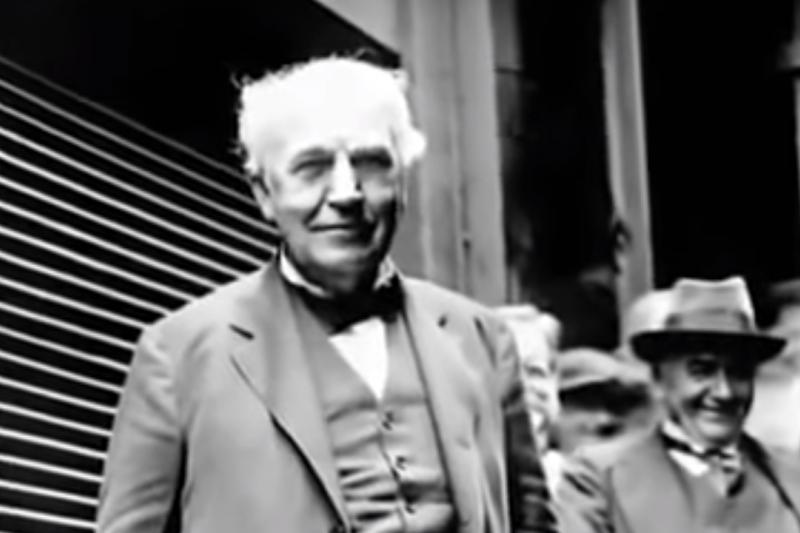 被譽為是發明了燈的科學家愛迪生,其實是第23個發明電燈的人。(資料照,擷取自Youtube)