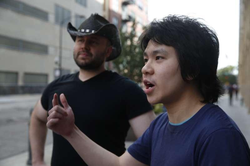 新加坡少年余澎杉(Amos Yee)因批評李光耀而入獄2次,最後獲得美國政治庇護(AP)