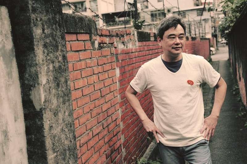 作者說,他不相信陳昇寫宿命、寫孤獨只是為了裝「文青」,而是在做一種哲學上的思考。(資料照,新樂園提供)
