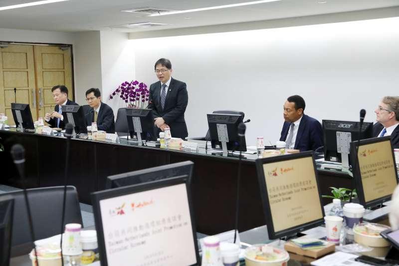 台荷共同推動循環經濟座談會28日在臺南市登場,會中分享循環經濟並提供扭轉生產製造思維的綠色新概念。(圖/台南市府新聞及國際關係處提供)