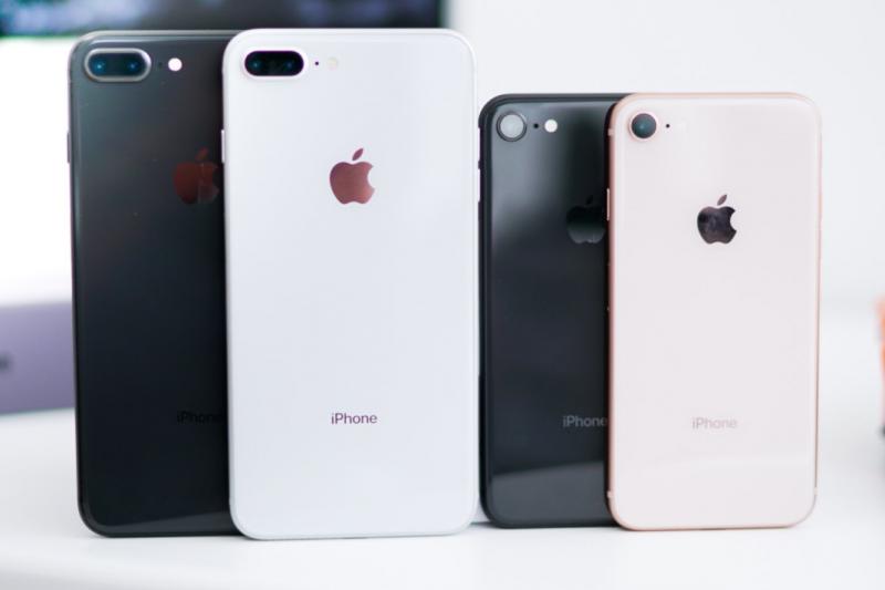 「揚棄獨立發明家的迷思,承認這個裝置是數千位發明者的貢獻,並不足以讓我們洞悉iPhone是怎麼做出來的。點子需要原材料和辛苦的勞工才能變成發明。」