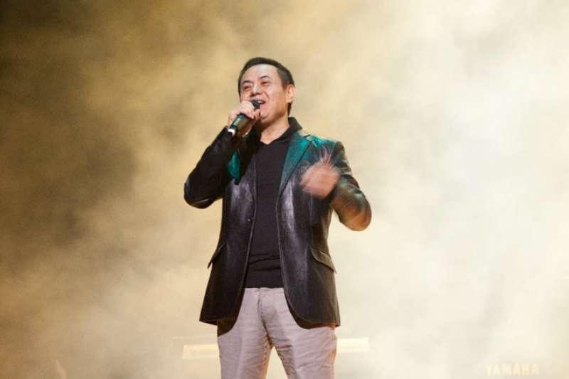資深歌手跨界演出的藝人蔡振南,繼之前取得金馬獎和金曲獎後,今(30)日再獲頒第52屆金鐘獎迷你劇集/電視電影男配角獎。(取自蔡振南臉書)
