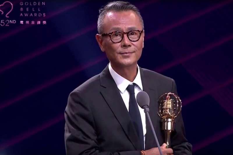 第52屆金鐘獎的大獎戲劇節目男主角獎由《這些年 那些事》資深男星劉德凱獲得。(取自三立新聞畫面)