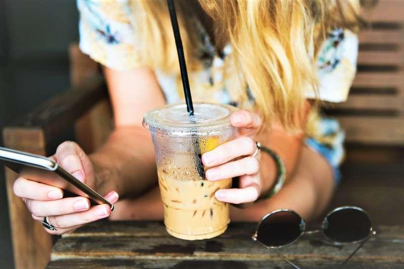 為何年輕人捐血比例越來越低,不是沒有愛心、問題出在奶茶身上...(圖/StockSnap@pixabay)