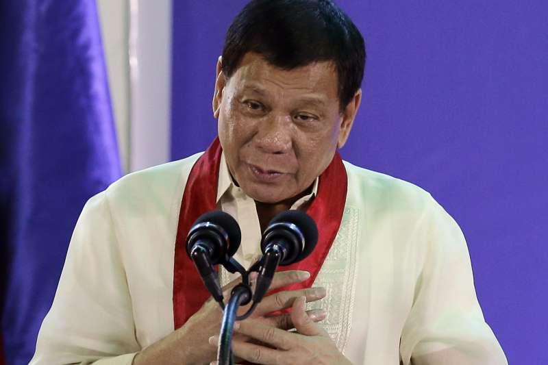 菲律賓總統杜特蒂點名台灣竹聯幫控制菲國的毒品,還與恐怖組織阿布沙耶夫合作。(美聯社)