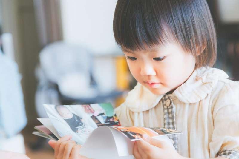 美國、英國、加拿大、澳洲、印度這五個國家孩童閱讀量與台灣差別多大呢?(圖/すしぱく@pakutaso)