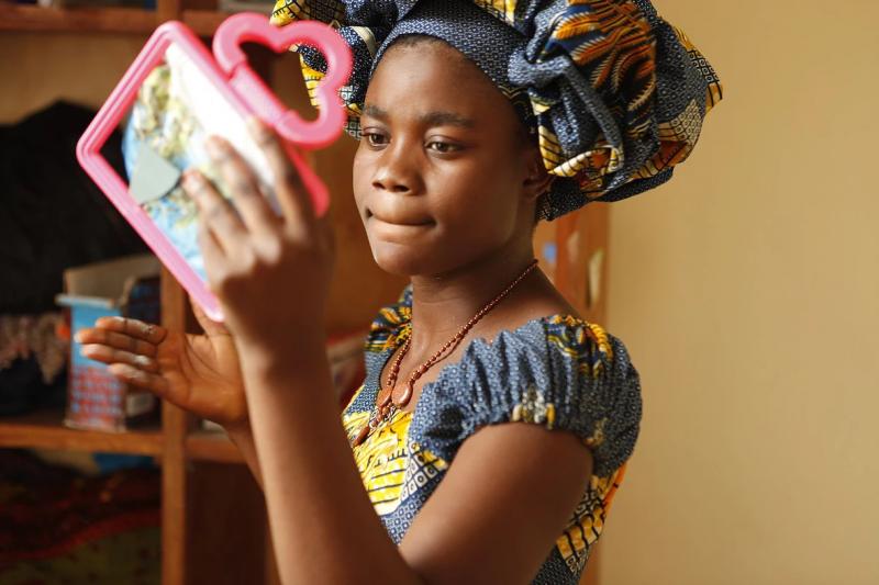 剛果婦女,外表上跟一般女性無異,如果她們不說,根本看不出她們痛苦的內在。(圖/取自CNEX官網)