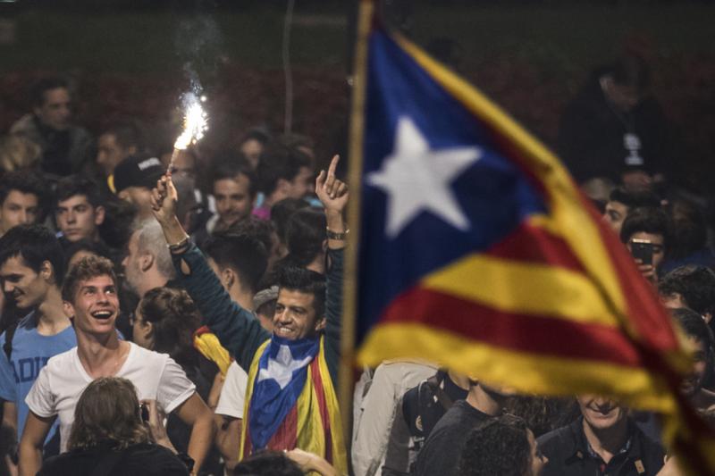 雖然受馬德里政府阻撓,加泰獨立公投投票率逾4成,並且9成支持獨立。(BBC中文網)