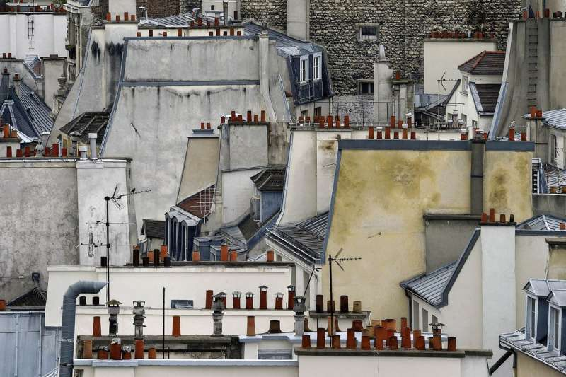 巴黎的「屋頂」,看不見熟知的歷史文化與浪漫,抽象風格讓人印象深刻。(圖/城市美學新態度提供)