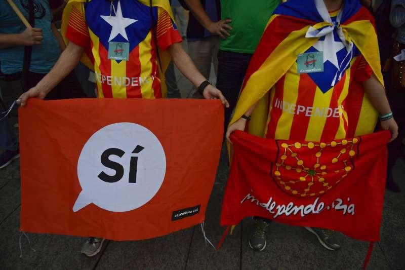 西班牙東北部加泰隆尼亞(Catalonia)自治區1日舉行獨立公投,九成民眾支持獨立。(美聯社)