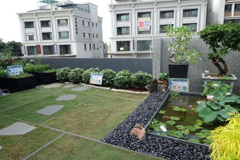 綠屋頂節能降溫計畫,率先將「東區清潔隊區隊新建工程」設定為銀級綠建築的目標。(圖/臺南市政府環境保護局提供)