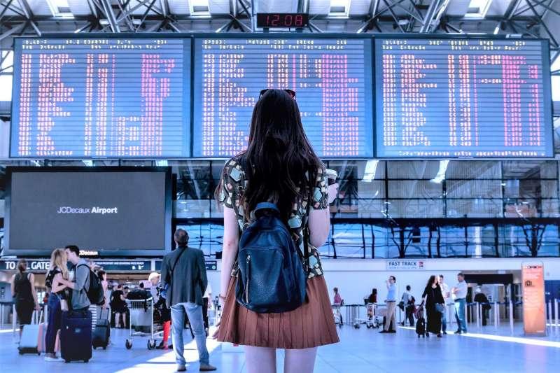 旅遊網站Skyscanner整理出10大搭機規定的背後原因,讓你明白為何要遵守這些規定!(圖/JESHOOTS@pixabay)