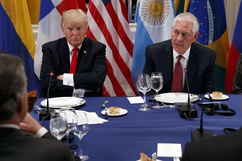 美國總統川普與國務卿提勒森關係緊張(AP)