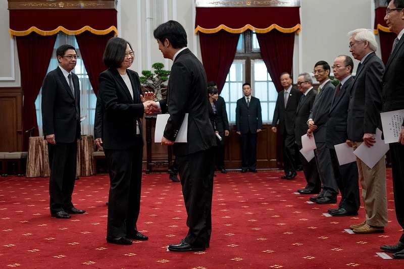 蔡英文總統主持賴清德內閣宣誓就職典禮。(蔡英文臉書)