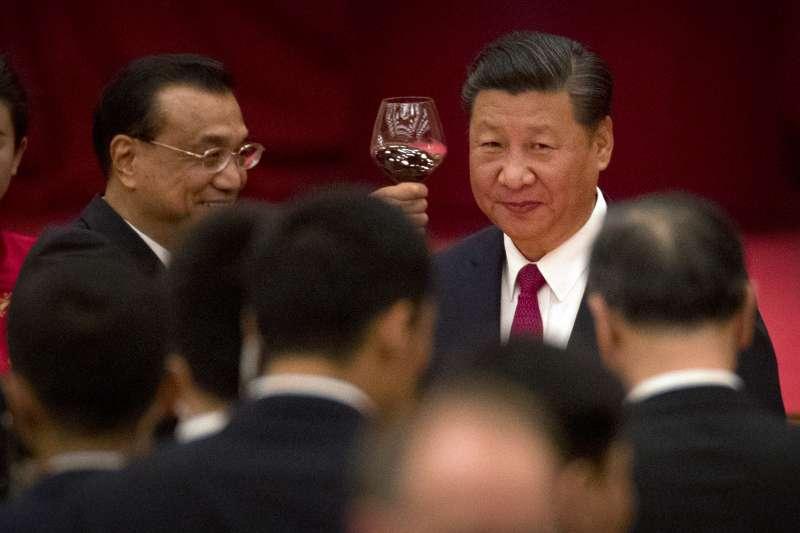 中國國家主席習近平(右)與國務院總理李克強(左)。(美聯社)