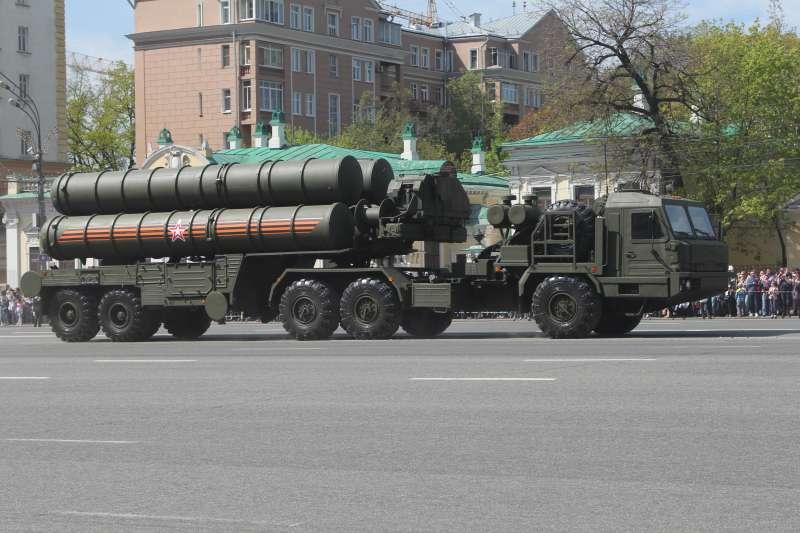 S-400長程防空飛彈(Соколрус@Wikipedia / CC BY-SA 4.0)