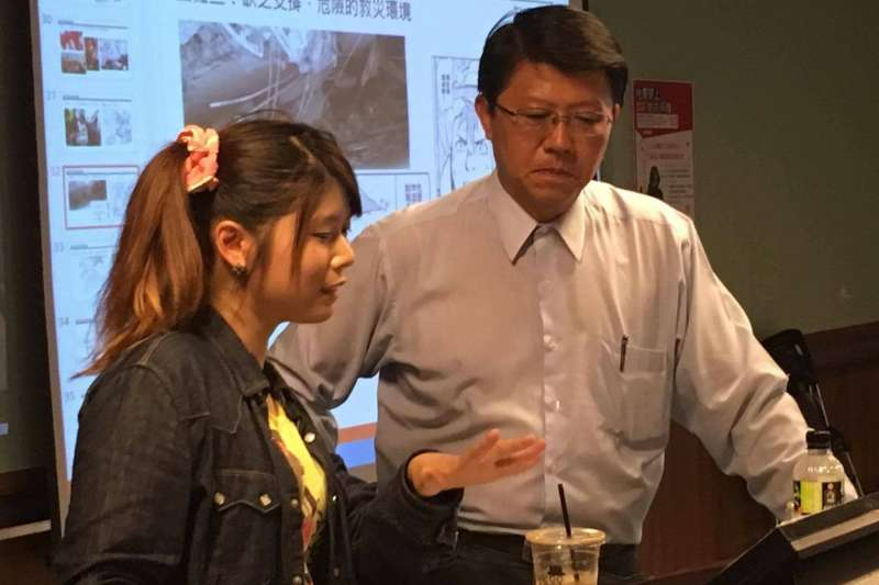 羊寧欣1日前往台南演講,市議員謝龍介也到場支持。(資料照,取自蠢羊與奇怪生物臉書)