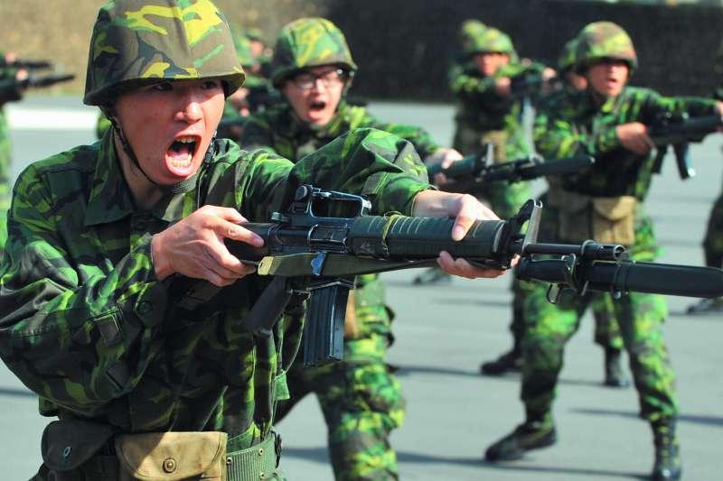 國防部22日在立法院外交國防委員會首度提出官方版報告,革新方向也浮出檯面。(資料照,林瑞慶攝)