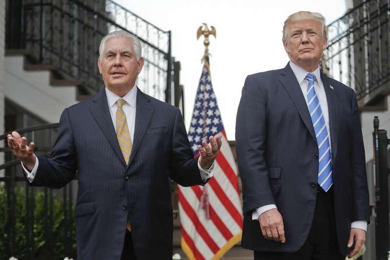 川普與提勒森的外交步伐似乎越走越不合拍。(美聯社)