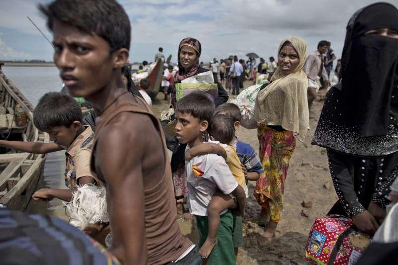 51萬羅興亞難民逃往鄰國孟加拉。(美聯社)