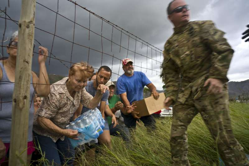 波多黎各嚴重缺乏物資,需要靠外界供應。(美聯社)