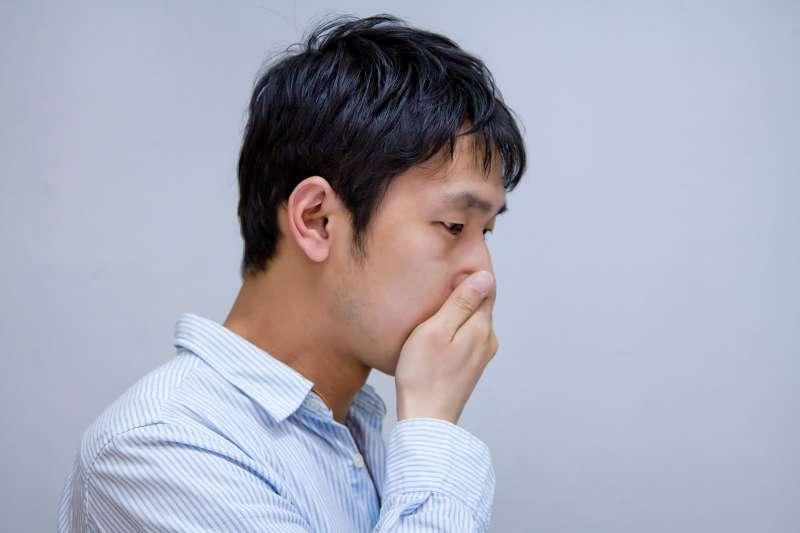 口臭主要有兩大成因,一為口腔問題導致的口臭,二為疾病引起的口臭。(示意圖非本人/pakutaso)