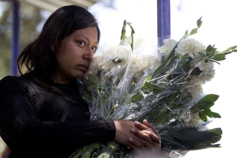 墨西哥針對女性的暴力犯罪日益猖獗,留下哀傷欲絕的親人(美聯社)